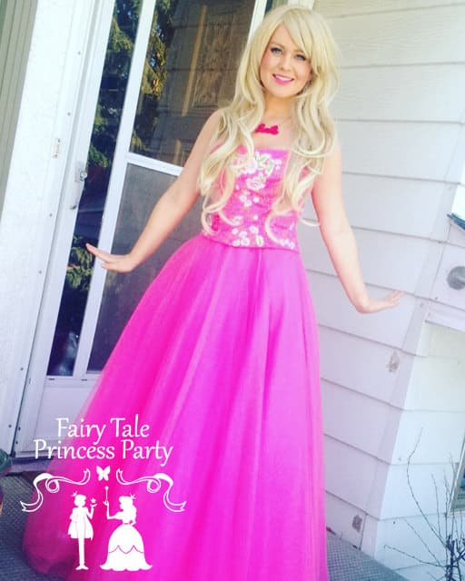 Calgary's Fashion Doll's favorite colour is pink and birthday party cakes and cupcakes.  She has many different careers and loves fashion.